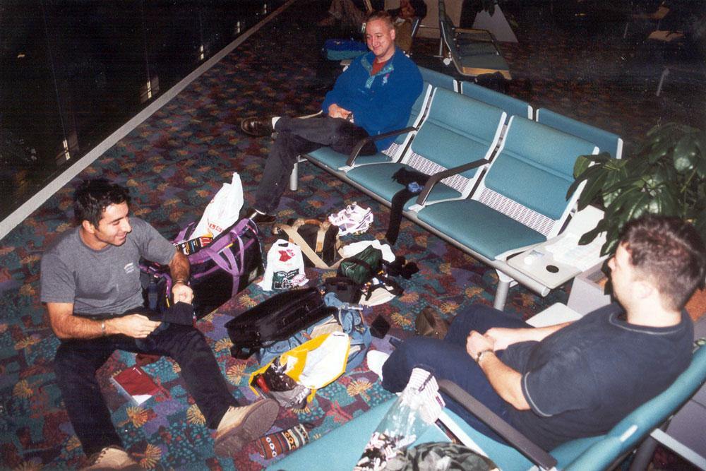 Wachten en wachten op onze volgende vlucht .............. 9 uur tussenstop